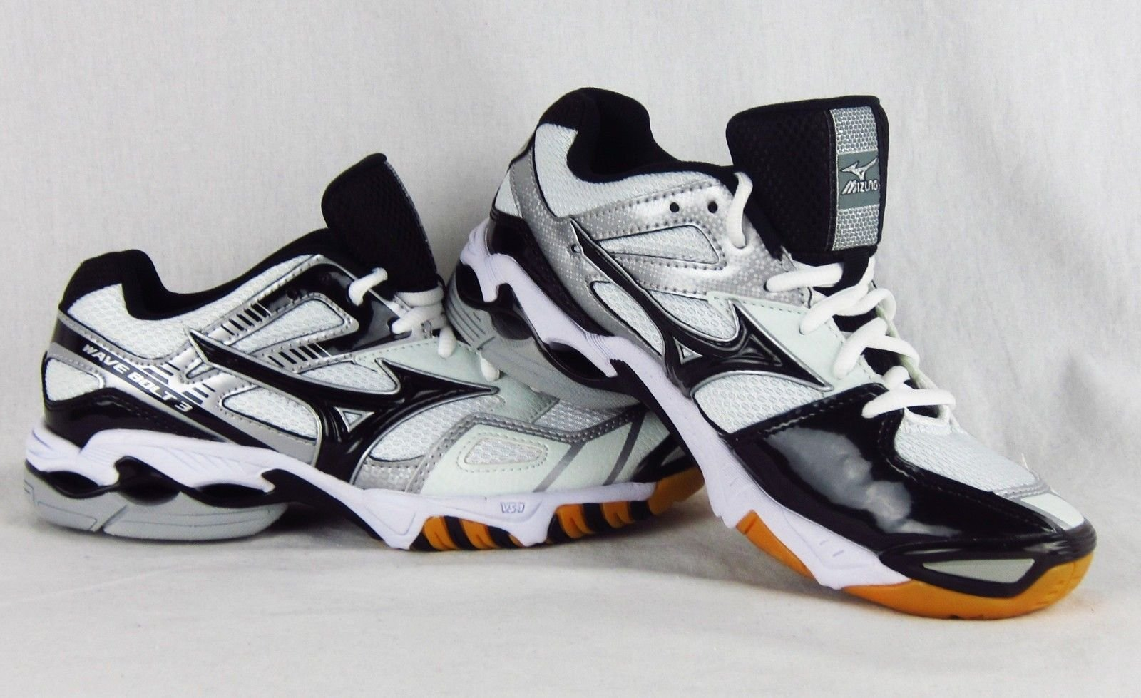 fe5219eaff1 New Womens Mizuno Wave Bolt 3 Volleyball Shoe Sneaker Black   White Size 6.5