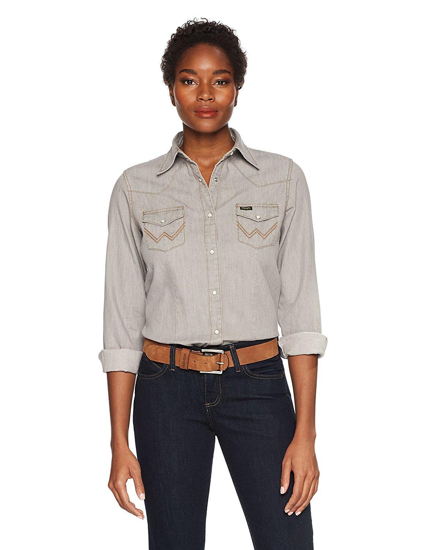 3bbf1e12ffa Wrangler Women s Long Sleeve Snap Front Denim Western Shirt