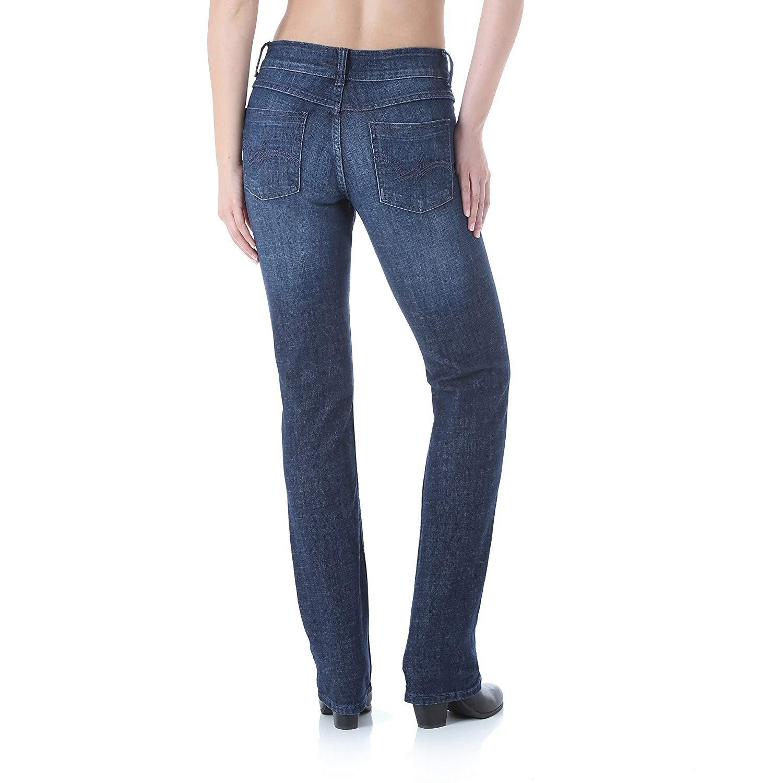 dabf934059e Wrangler Women s Plus Size Mid Rise Straight Jean