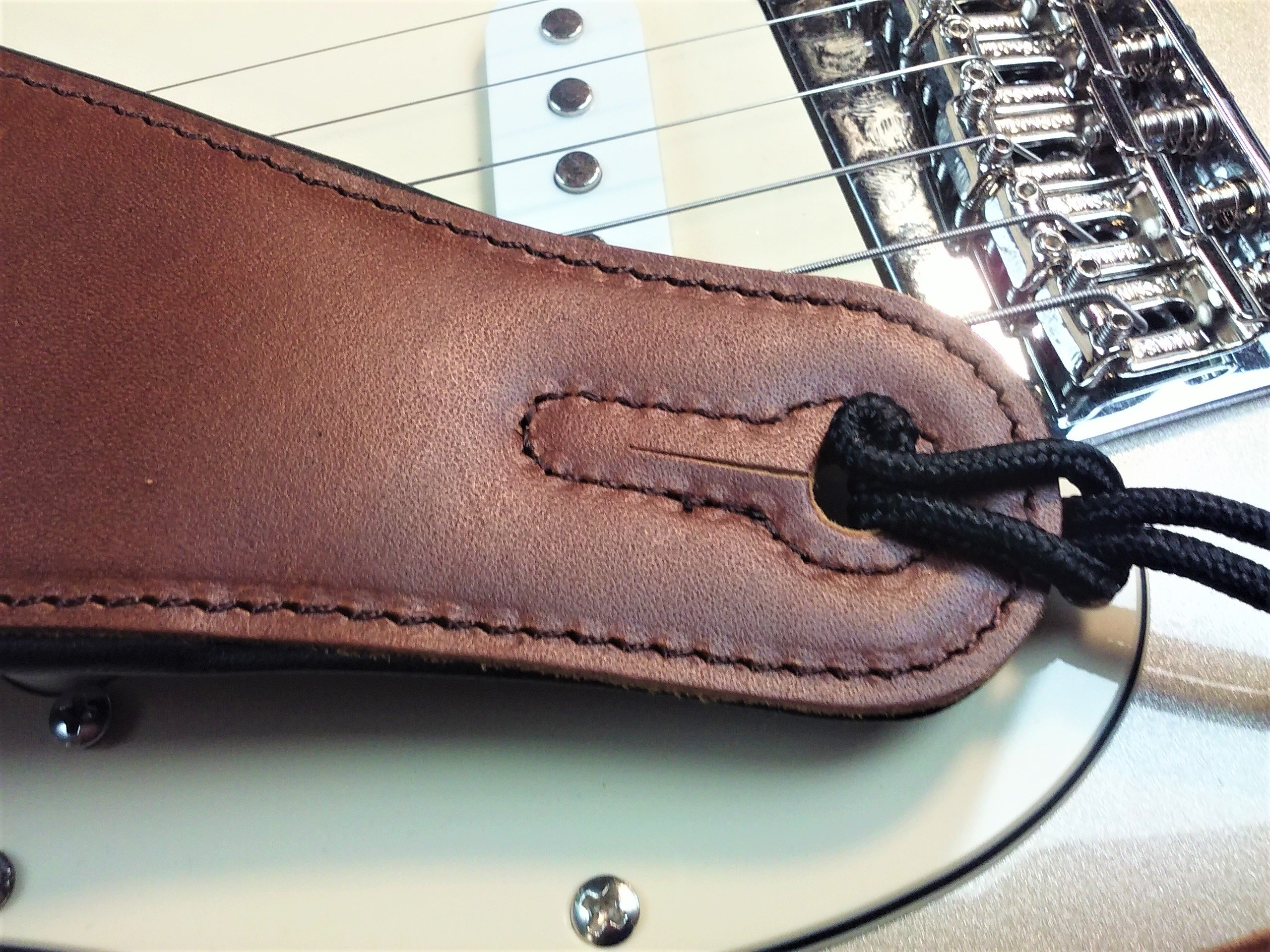 Quality-Leather-2-5-and-3-034-Wide-Acoustic-Electric-Guitar-Bass-Strap-Thick-Padded miniature 24