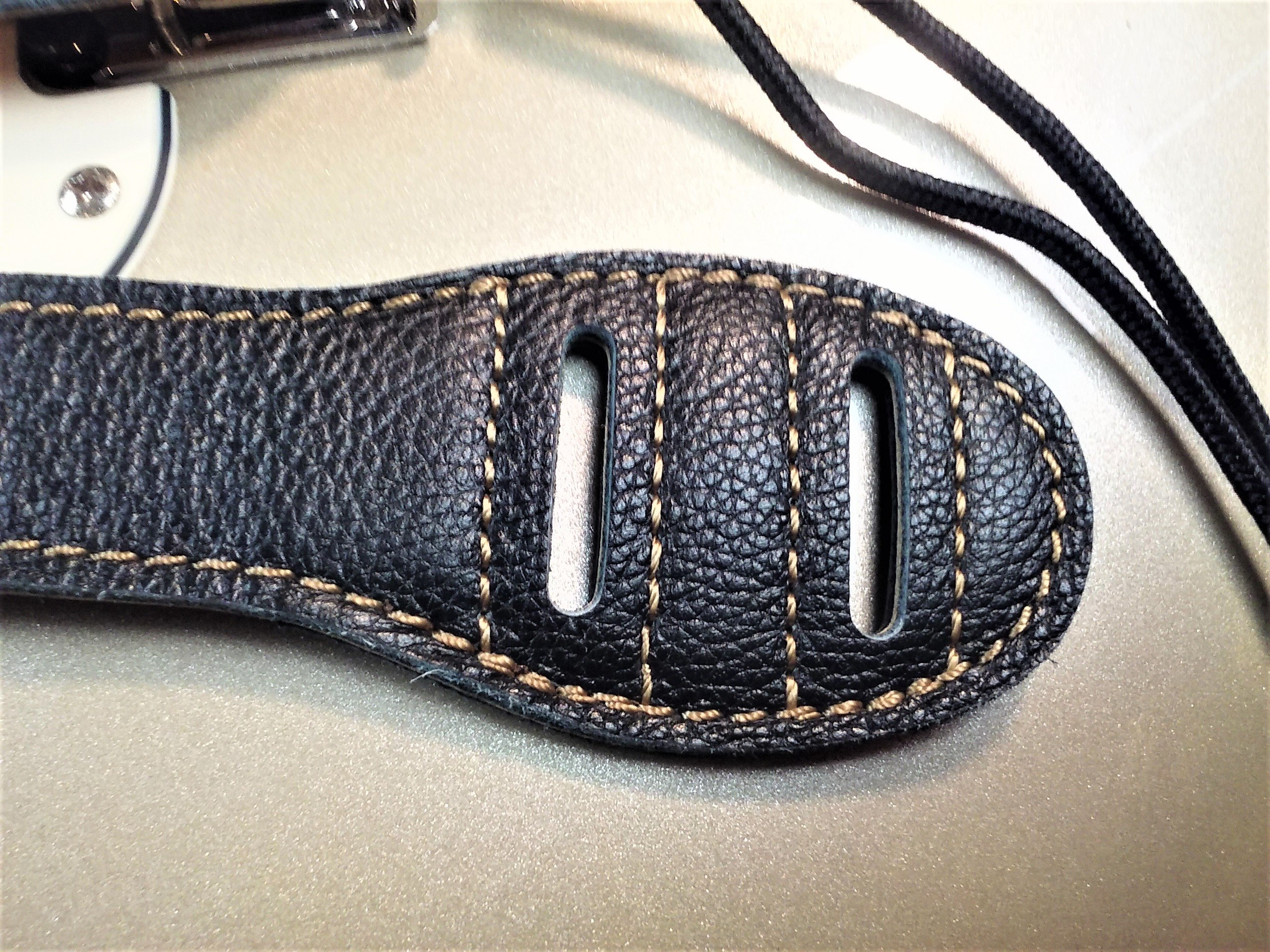 Quality-Leather-2-5-and-3-034-Wide-Acoustic-Electric-Guitar-Bass-Strap-Thick-Padded miniature 18